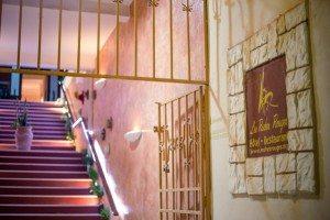 Hotel Majunga Les Roches Rouges - Entrée de l'Hôtel
