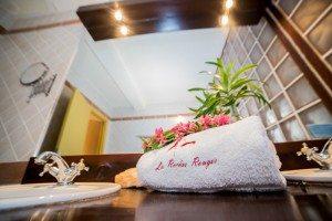 Hôtel à Majunga Les Roches Rouges- Salle d'eau -